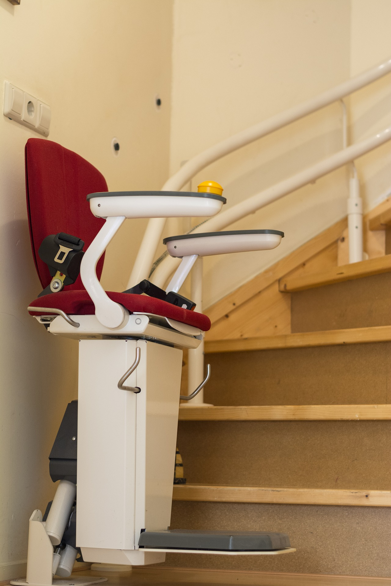 6 Benefits of Residential Stairlifts