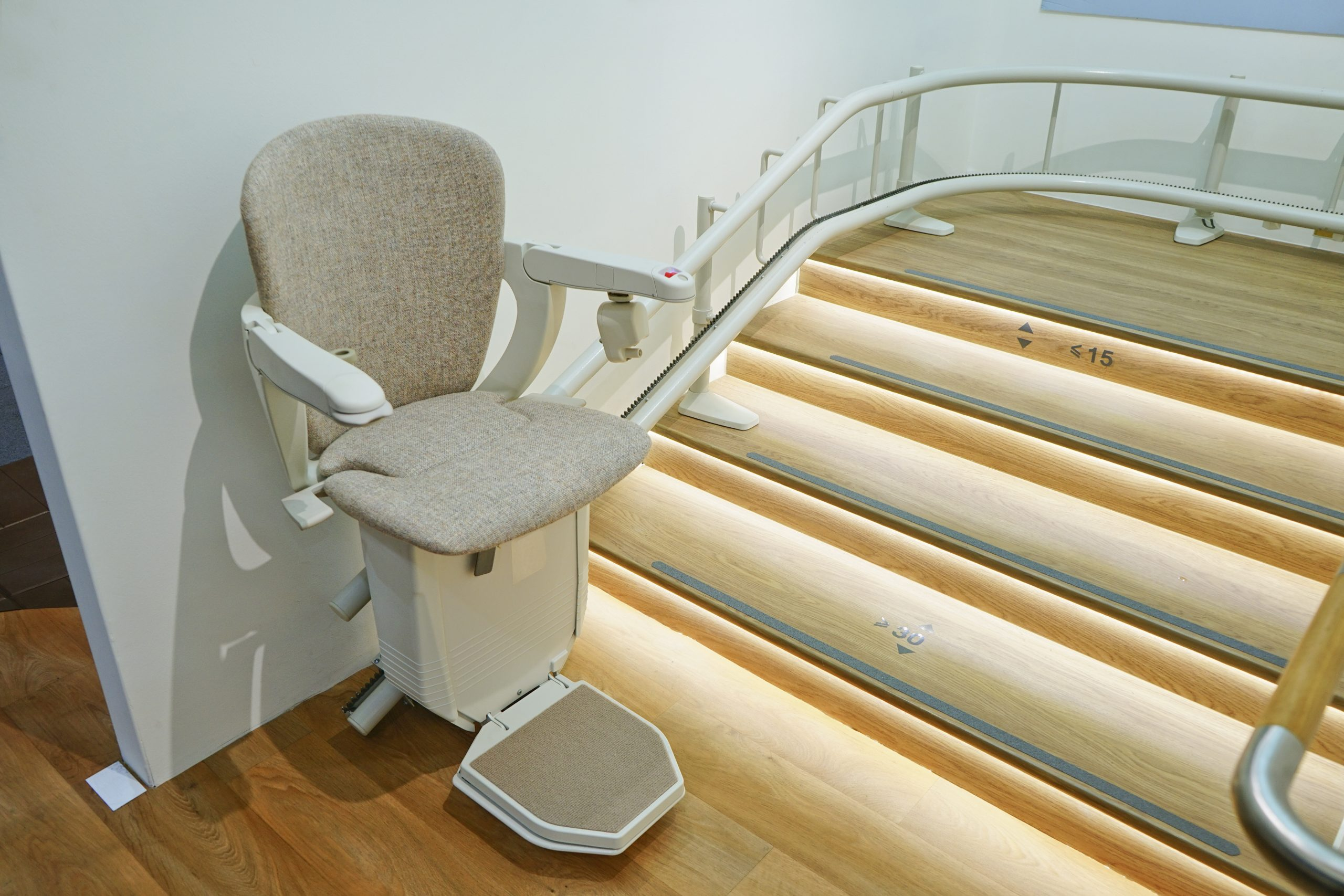 Stair and Chair Lifts – An Affordable Solution For Vertical Mobility